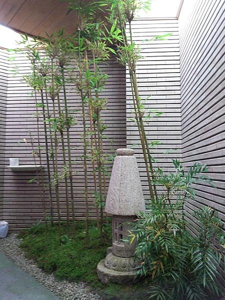 福井県越前海岸の呼鳥門近くのお店のトイレ2♪